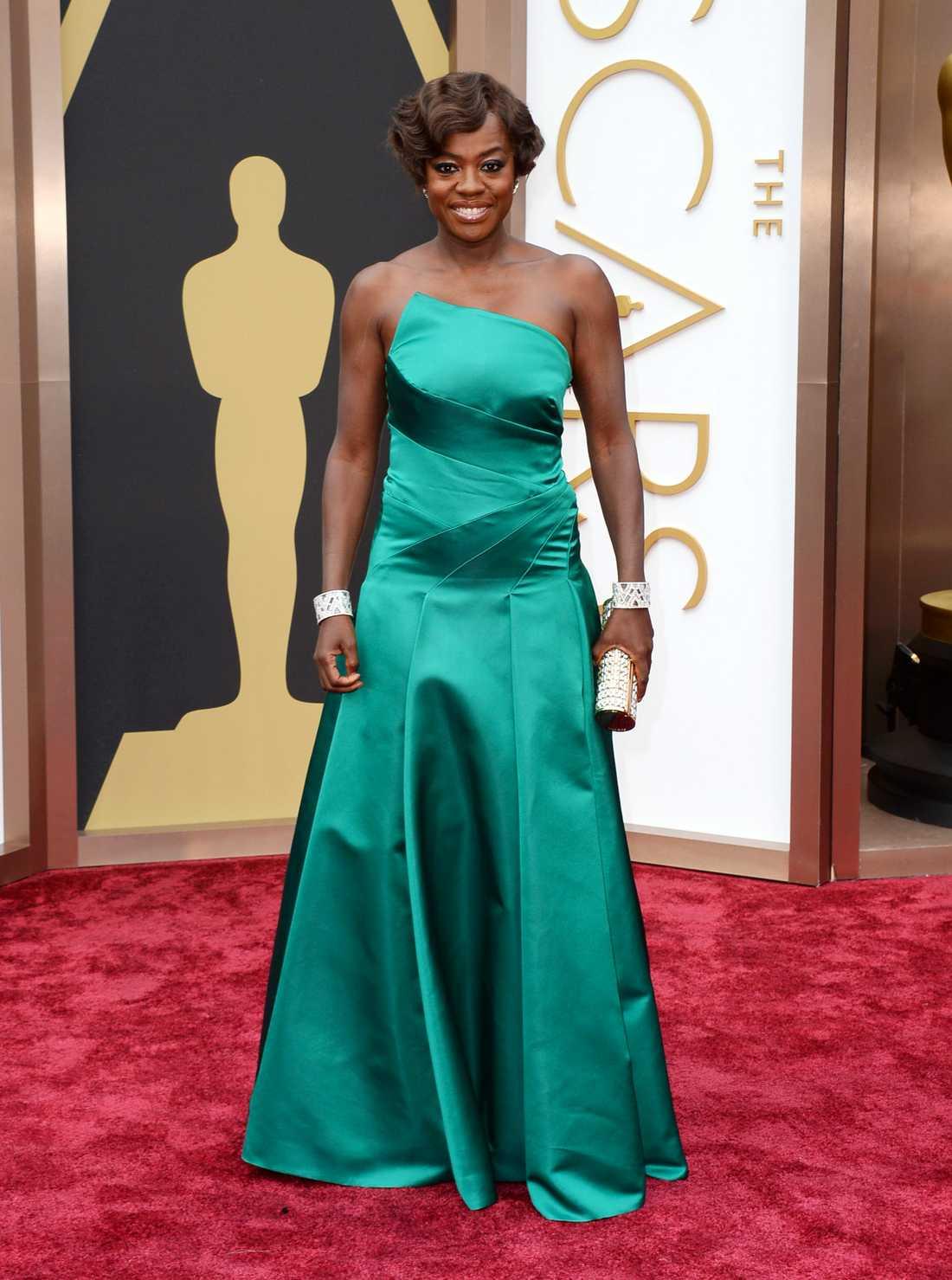 Viola Davis i smaragdgrönt från Escada.