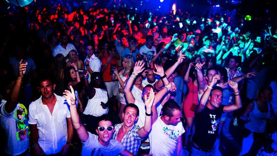 En av många stora nattklubbar på Ibiza.