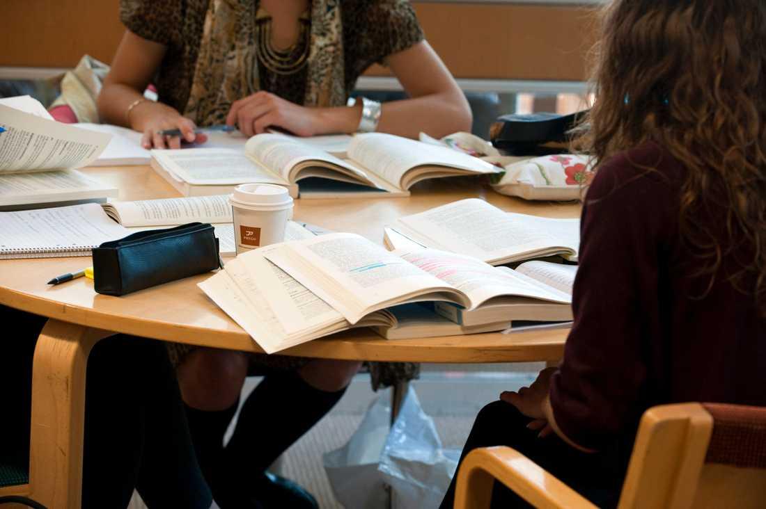 En student som stängs av från sin utbildning får i dag behålla de poäng den hunnit klara av. Arkivbild.