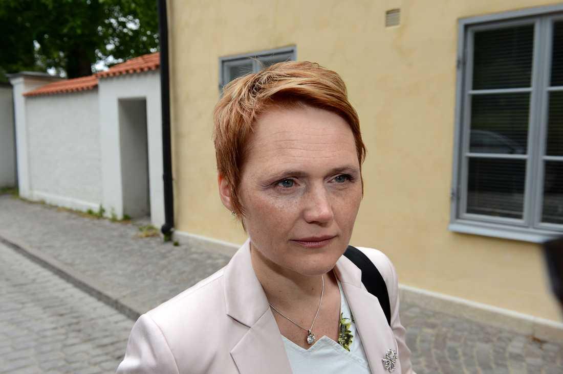 Som arbetsgivarchef har den tidigare centerpolitikern Anna-Karin Hatt i praktiken tvingat fram dagens strejkvarsel.