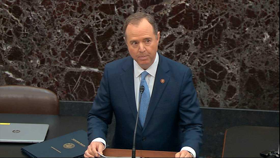Adam Schiff är demokrat och representanthusets underrättelseutskotts ordförande, läser upp anklagelsepunkterna mot USA:s president Donald Trump, i senaten. Därmed har den historiska riksrättsprocessen inletts.