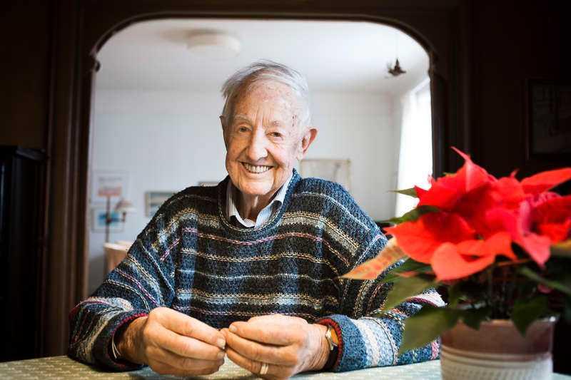 I 54 år har man kunnat höra Bengt Feldreich sjunga duett med Benjamin Syrsa på julafton.