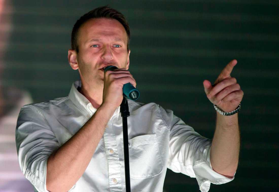 Aleksej Navalnyj kämpar för sitt liv
