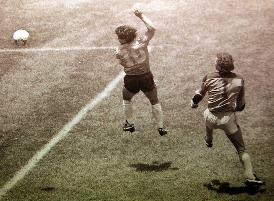 Guds hand-ögonblicket i matchen mot England, VM 1986.