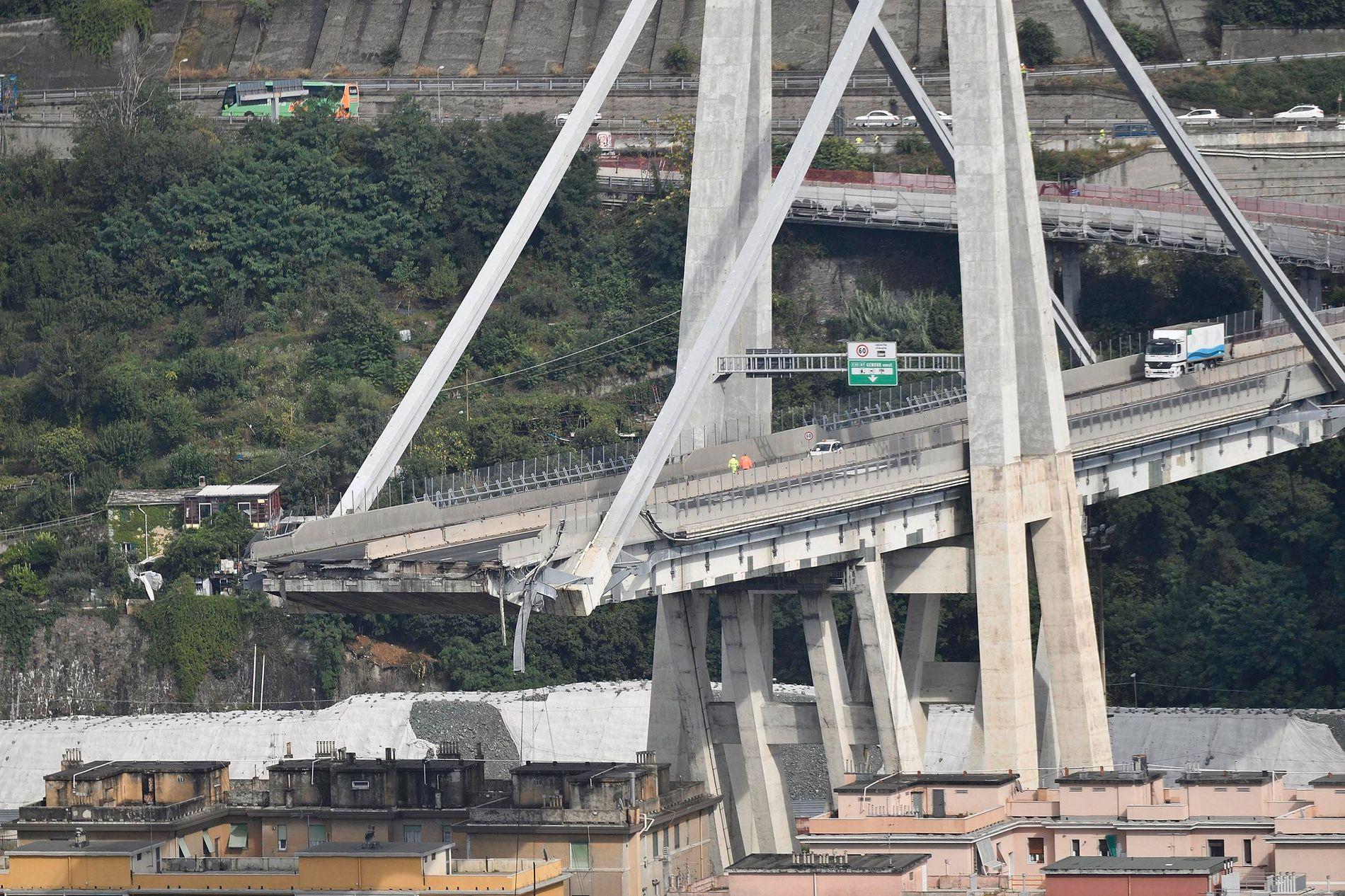 Brücke In Italien Eingestürzt