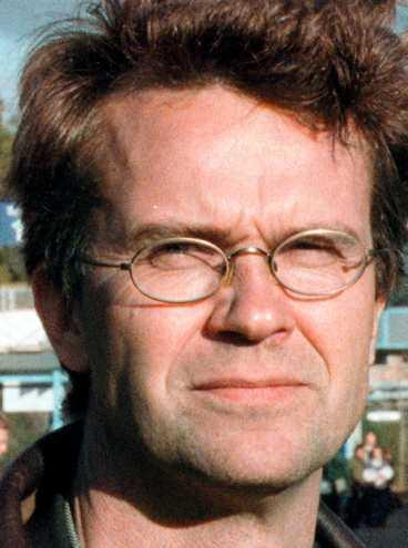 Peter Larsson lämnade politiken i ursinne. Han liknar (s) i Stockholm vid en maffia.