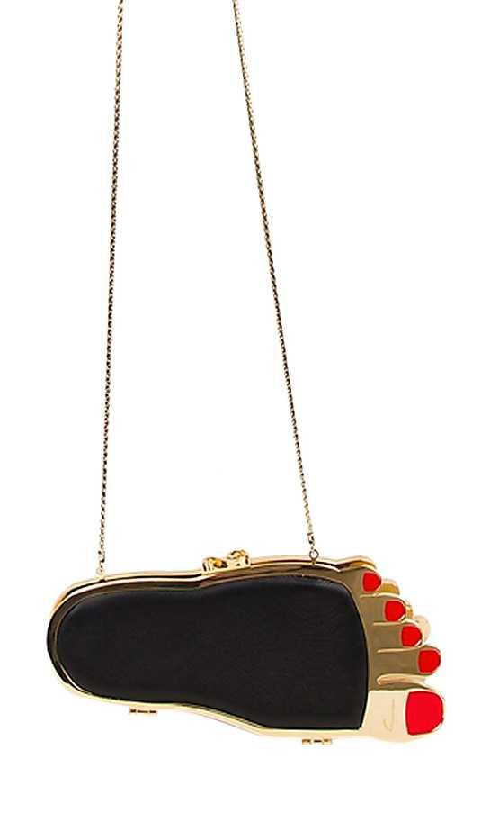Väska i form av en fot från Inés Figaredo, pris cirka 13 000 kronor.
