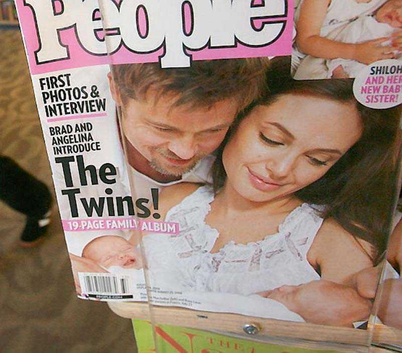 Parets tvillingar fick namnen Knox och Vivienne.