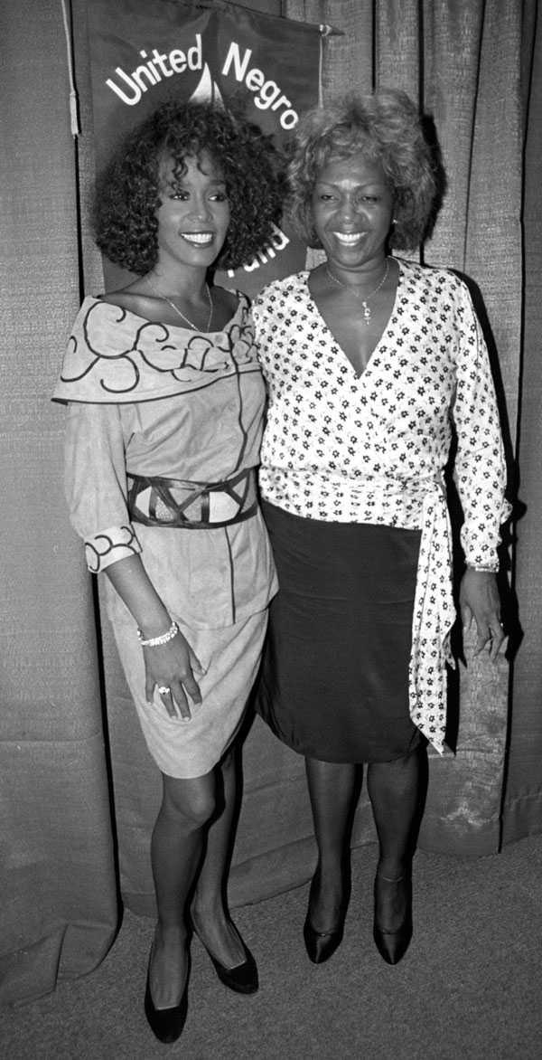 Whitney och hennes mamma Cissy.