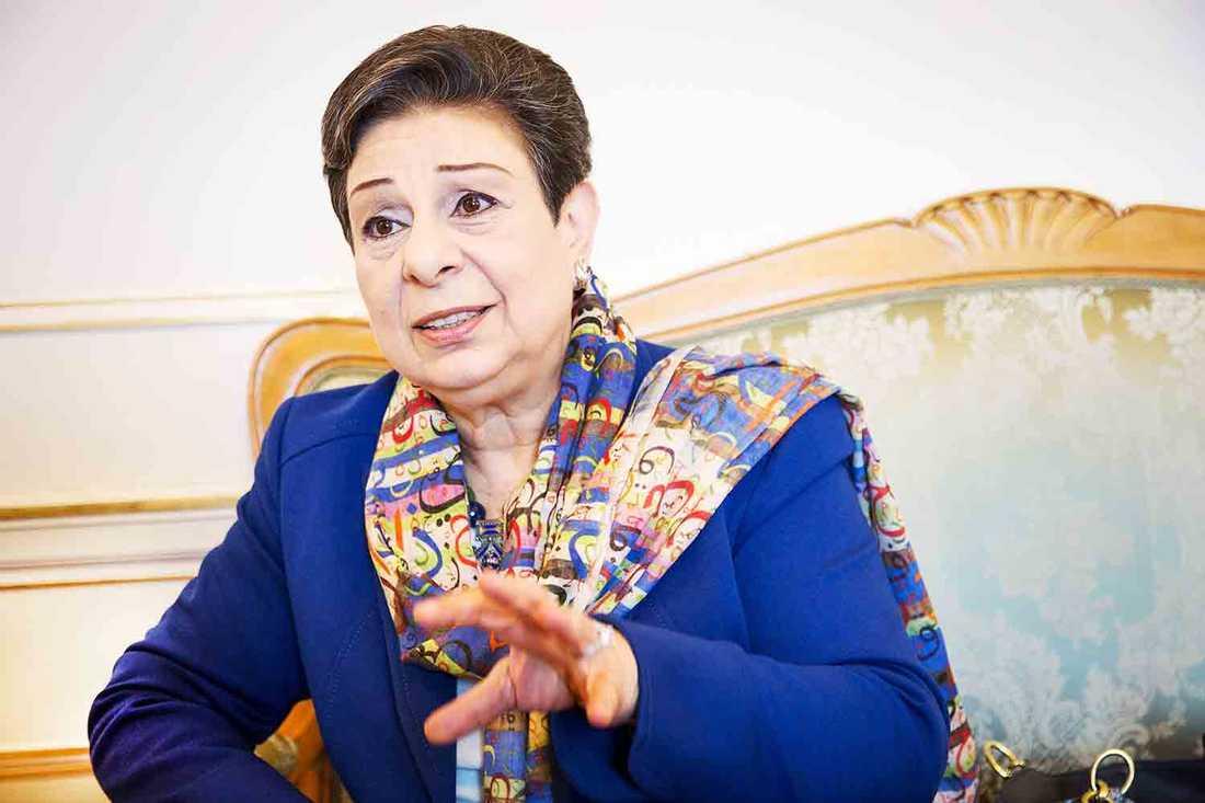 HANAN ASHRAWI I SVERIGE PLO-politikern Hanan Ashrawi var på besök i Stockholm på fredagen. Hon tror att fred är möjlig: –Men inte under ockupation. Det skulle inte vara fred, utan en kapituleringl, säger hon.