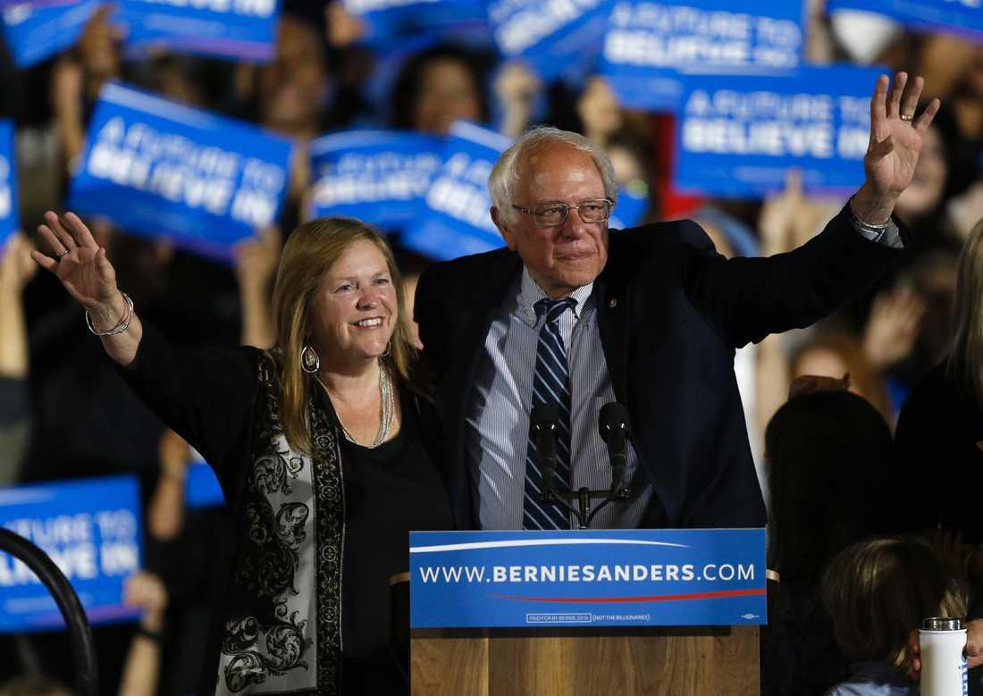 Bernie Sanders tillsammans med hustrun Jane.