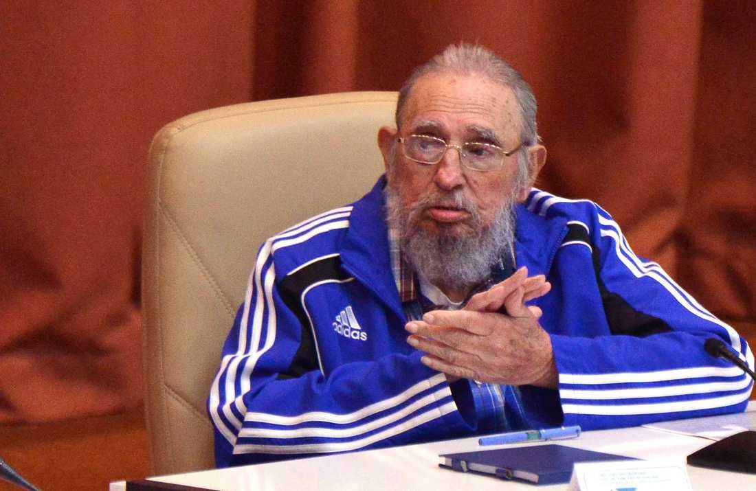 """I april i år medverkade han i kommunistpartiets nationella kongress. """"Jag blir snart 90 år. Tiden kommer för oss alla, men de kubanska kommunisternas idéer kommer att bestå"""", sa han då."""