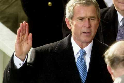 3. George Bush blir USA:s president.