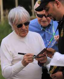 Bernie Ecclestone, vill se F1 både i Ryssland och New York.