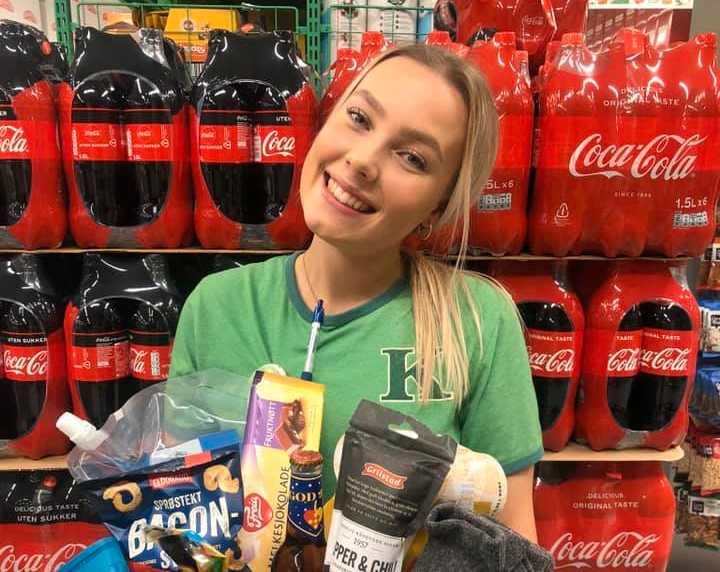 Nu har Lise, 21, jobbat två år i butik.