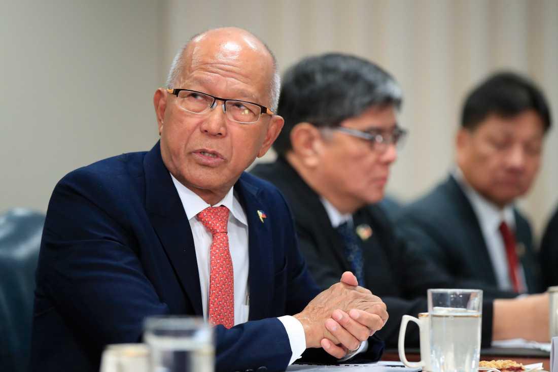 Filippinernas försvarsminister Delfin Lorenzana under ett besök i Washington i april i fjol. Arkivbild.