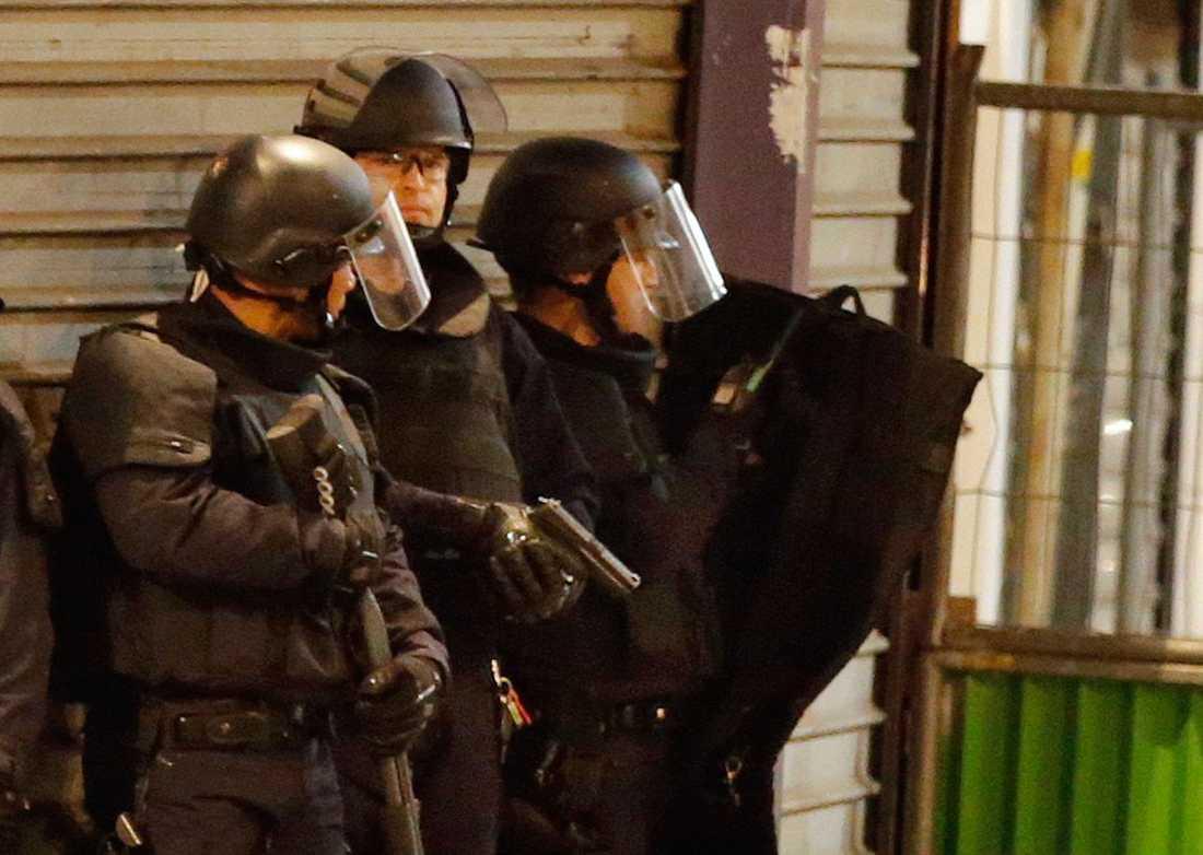 Bild från polisräden i Saint-Denis i norra Paris på onsdagsmorgonen.