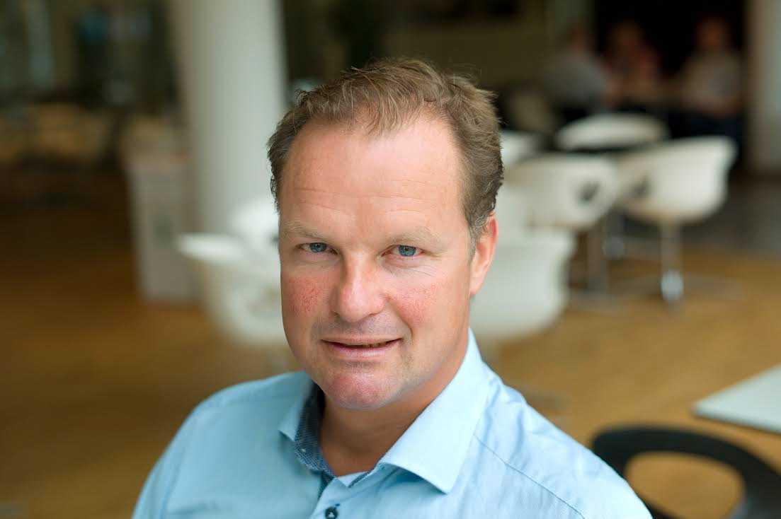 Öyvind Thomassen, Skandias bankchef.