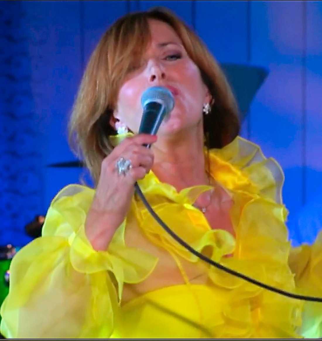 """Sylvia Vrethammar valde """"Kung för en dag"""" från """"Karaoke"""" som släpptes 1997."""