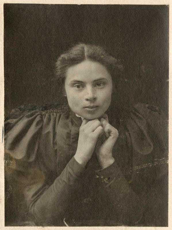 Foto av Ester Almqvist, Riksarkivet