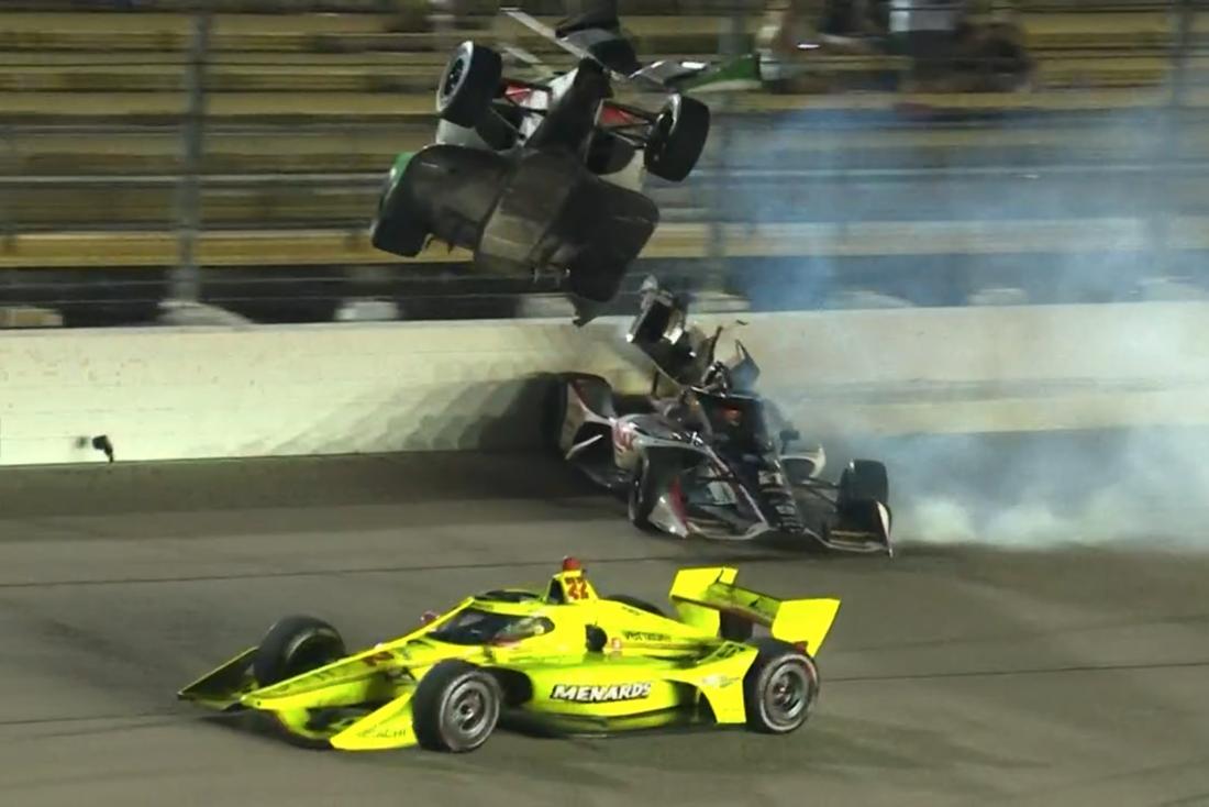 Colton Herta och Reenus Veekay i oräck krasch i Indycar.