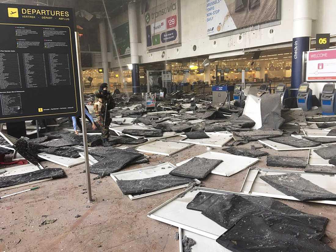 Flygplatsen i Bryssel efter terrorattacken.