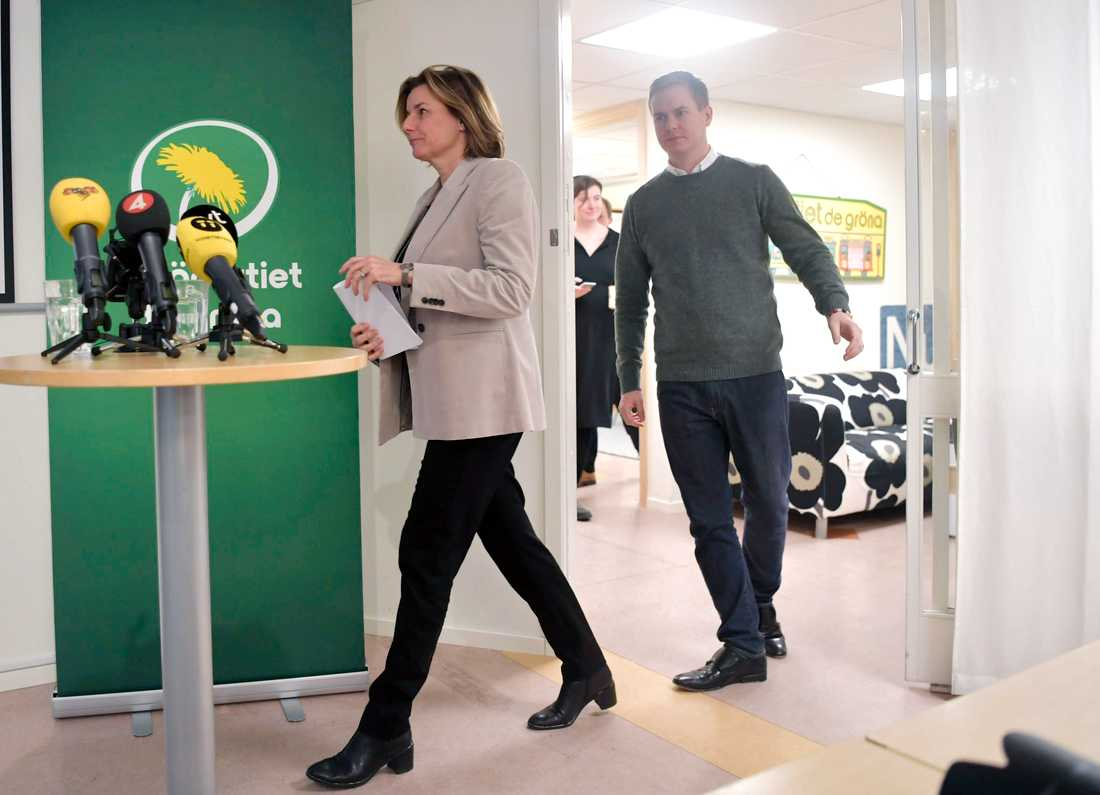 Språkrören Gustav Fridolin och Isabella Lövin har kallat till pressträff på förmiddagen för att berätta om partistyrelsens beslut.