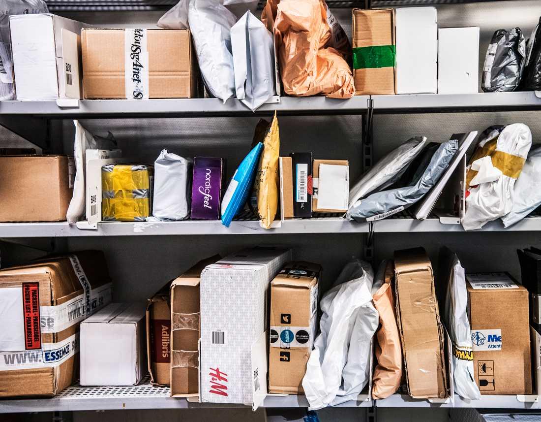 Postnord räknar med att hantera 900000 paket under helgen efter readagen Black Friday. Arkivbild.