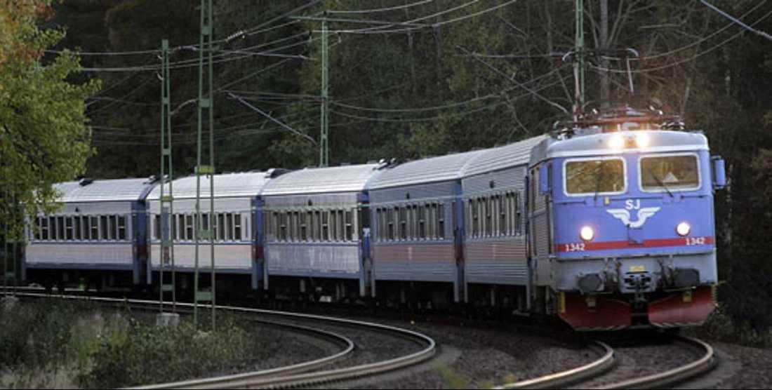 Tåg som inte kommer i tid ska från och med i dag räknas som försenade