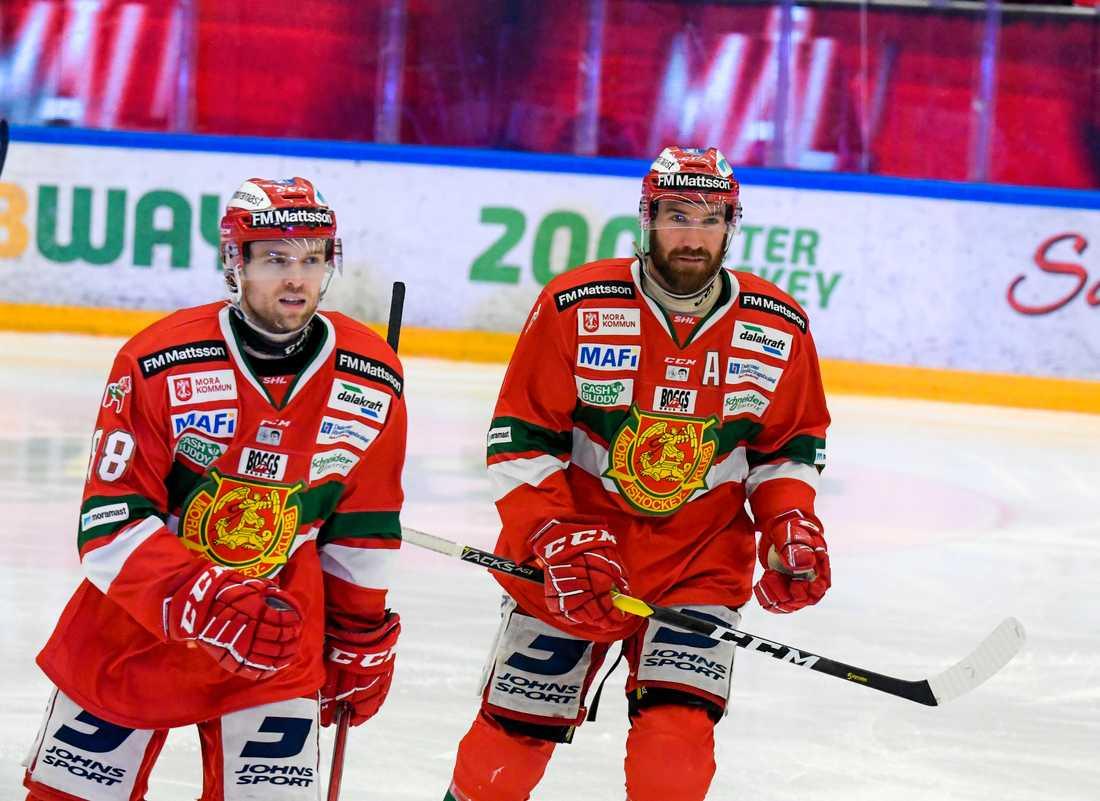 Spencer Abbott (vänster) ansluter till Leksand från Mora.