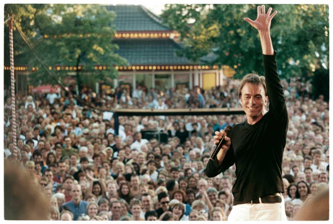 Wolff uppträder på Gröna Lund 1997