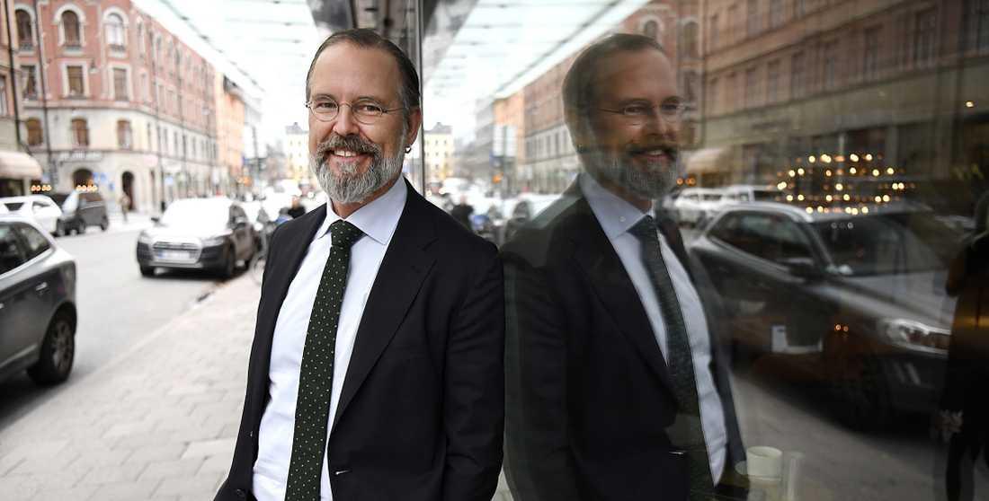 Anders Borg drev igenom privatiseringen av bilprovningen. Nu betalar bilägarna priset.