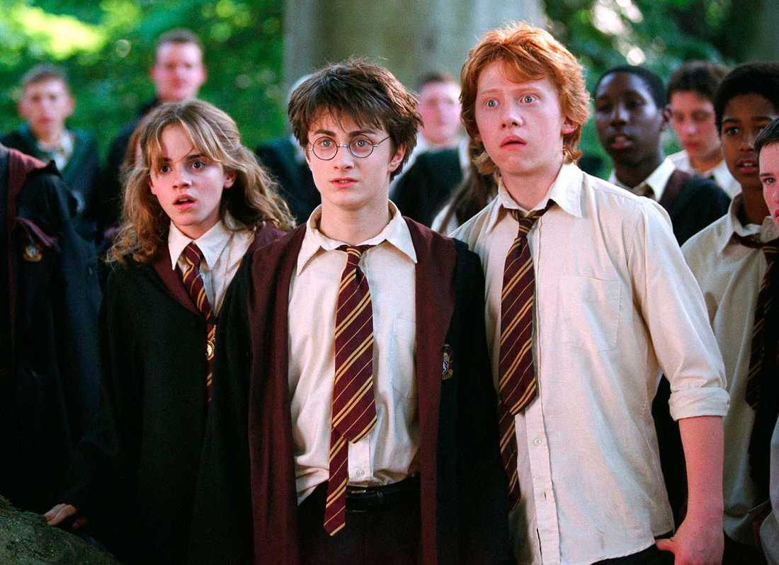 """Emma Watson som Hermione Granger, Daniel Radcliffe som Harry Potter och Rupert Grint som Ron Weasley i filmen """"Harry Potter och fången från Azkaban""""."""