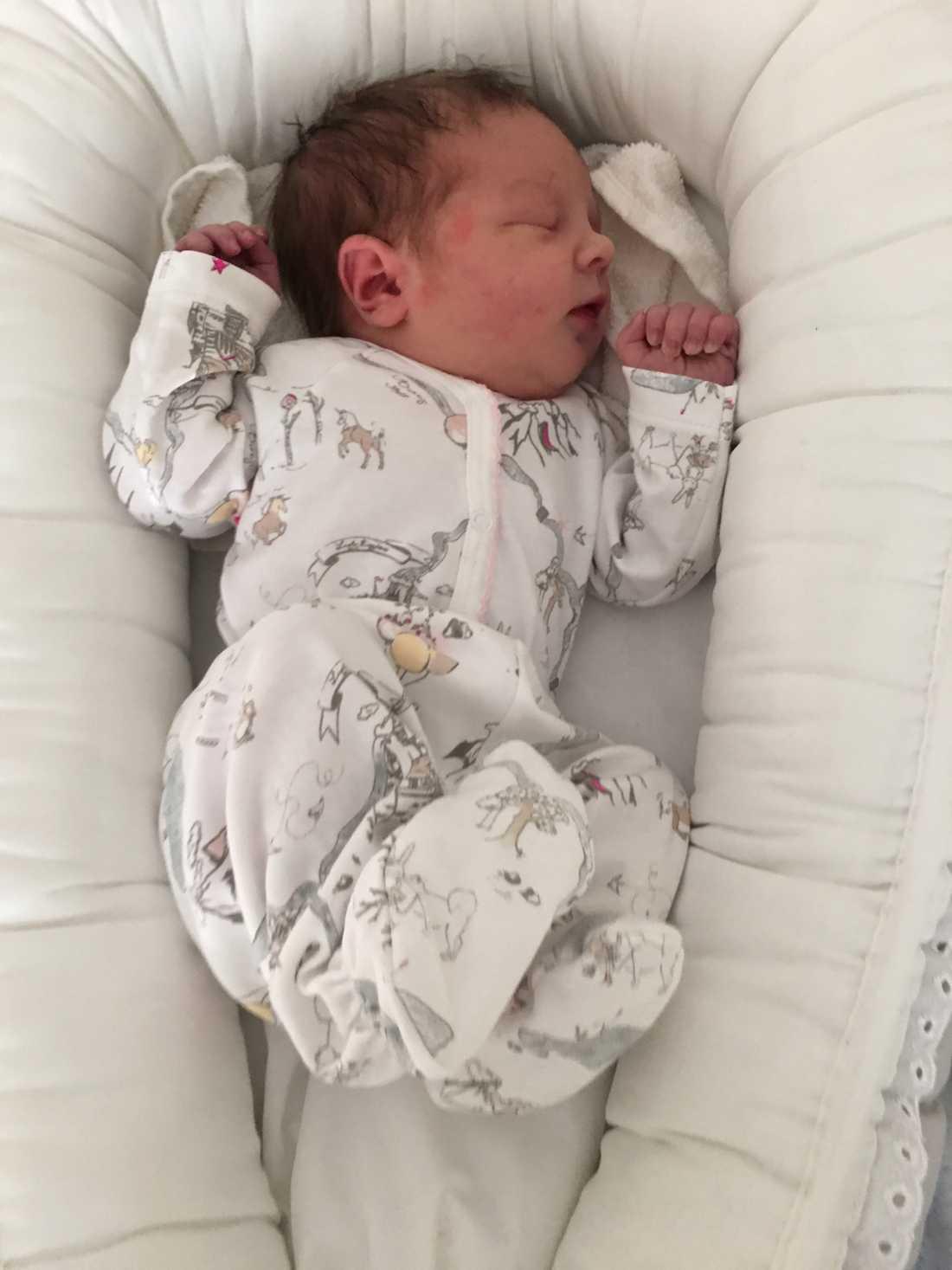 Hollie föddes på årets andra dag.