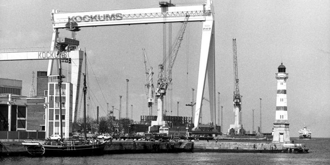 Kockumskranen var världens största och det privatägda fabriksområdet i Malmö var gigantiskt. Nu börjar arbetet att riva de sista stora gamla plåthallarna där det byggdes fartyg och ubåtar.