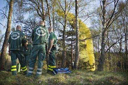 GICK EN NYBÖRJARKURS Eleverna skulle träna på några hundra meters höjd när olyckan hände. Något gick fel i en rörelse och mannen i 25-årsåldern störtade mot marken.