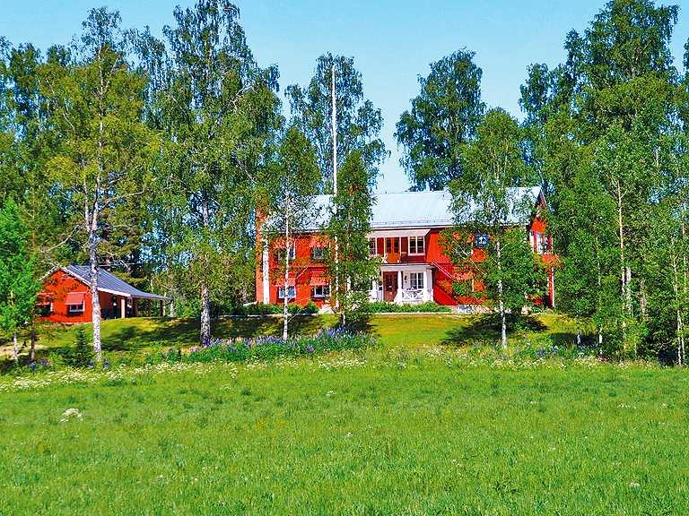"""STF Brunskog i Värmland vann kategorin Årets kudde - Vandrarhem. Bland gästernas kommentarer hittas hyllningar som: """"Personalen är fantastisk! Läget alldeles underbart. Allt rent och fint. Jättesköna sängar. Servicen på topp!"""""""