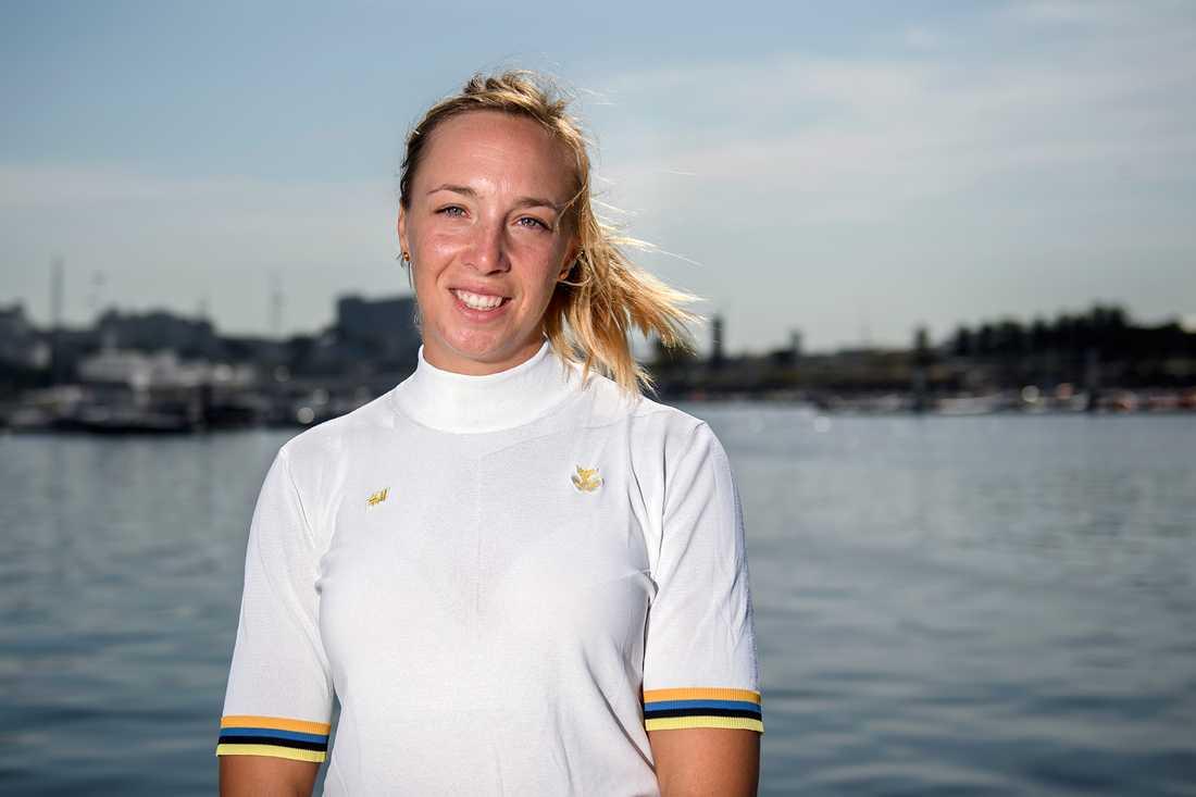 Josefin Olsson jagar medaljer i OS 2020 i Tokyo i Laser Radial. Förra onsdagen laddade hon upp med att pricka in åtta rätt på V86 och spelade in 1,4 miljoner kronor.