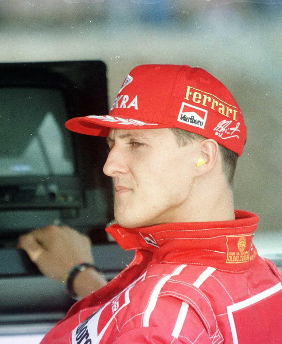 1994 I sina röda Ferrari-kläder.