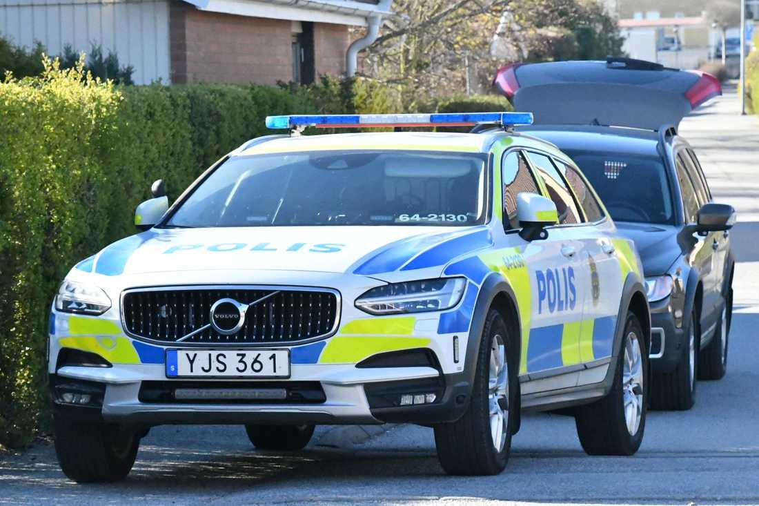 Polisen har spärrat av ett hus i ett villakvarter i Lund. Utreder grovt brott.