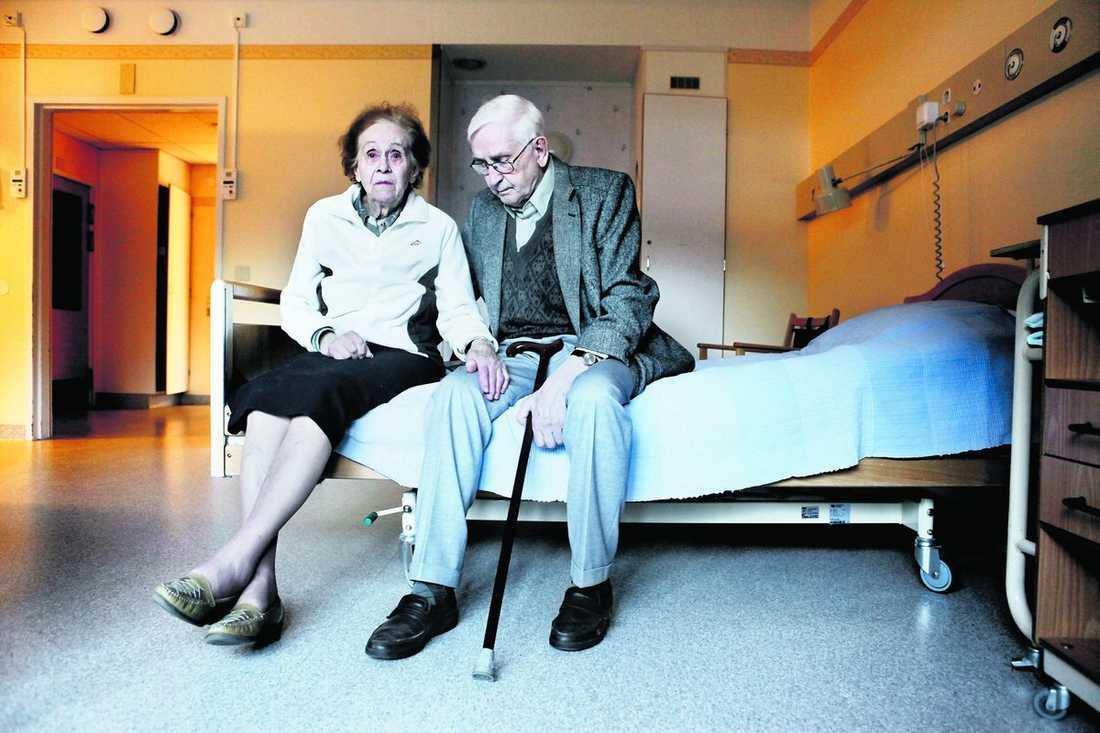 """""""Jag vill inte vara utan min Arne"""" Gunnel och Arne har stått vid varandras sida större delen av sina liv. Men nu kan byråkratin sätta stopp för ett de ska kunna fortsätta att leva tillsammans."""