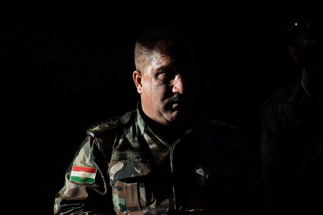 En kurdisk soldat som deltagit i striderna mot IS.