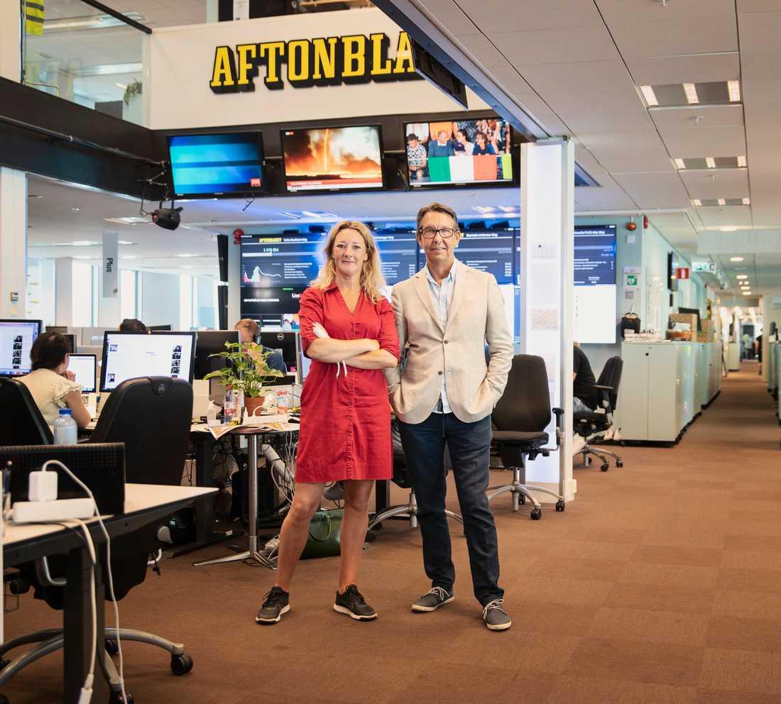 Hasse Aro, programledare för Efterlyst, och Johanna Bäckström Lerneby, redaktör.