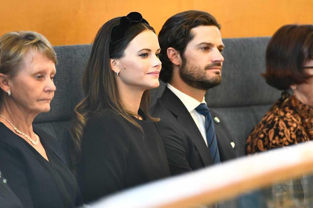 Redan i höstas bar prinsessan Sofia ett diadem vid riksmötets öppnande. Det här svarta kommer från Eivy Flodin.
