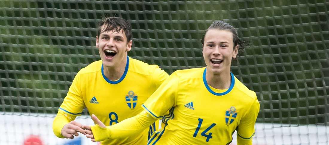 Alex Timossi Andersson jublar tillsammans med Kevin Ackerman