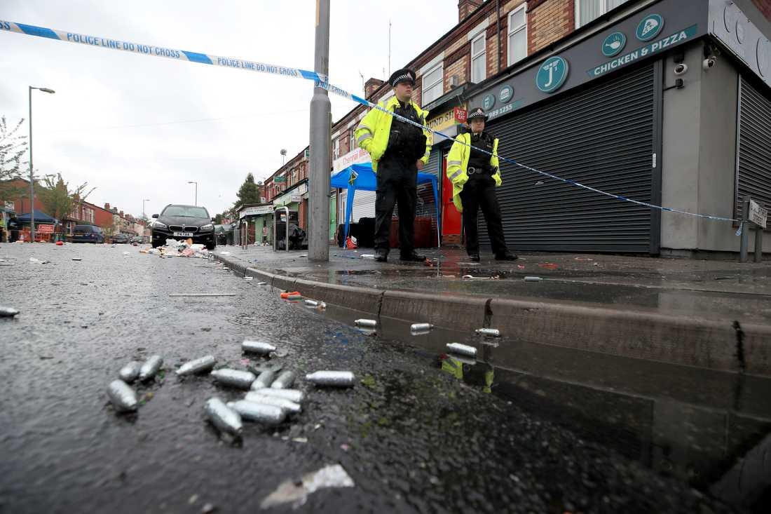 Tio personer skadade efter skjutning i Manchester.