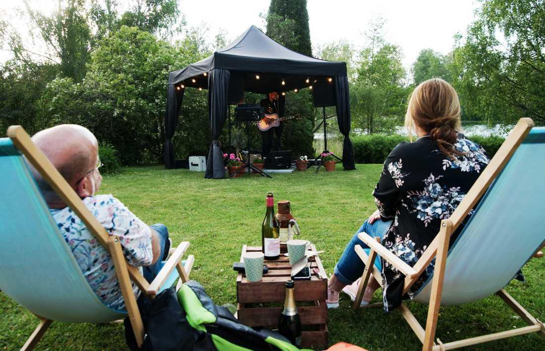 Daniel Lemma är först ut med en konsert bokad genom Trädgårdslive. Pressbild.