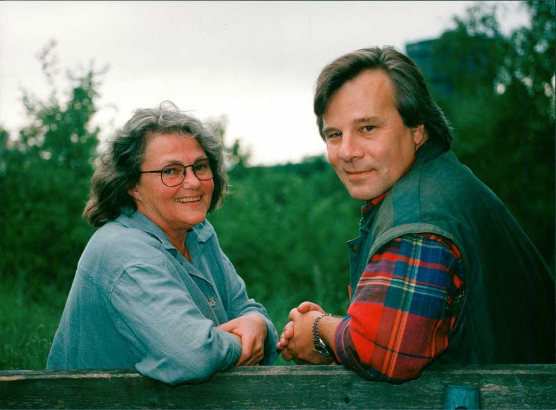 Maj Sjöwall och Jan Guillou under ett möte, 1993. Maj Sjöwall dog idag, 84 år gammal.