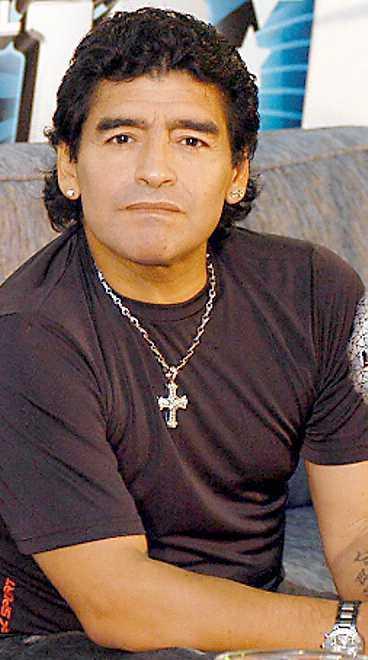 En ny dokumentär avslöjar att Maradonas drogmissbruk började redan i tidig ålder.