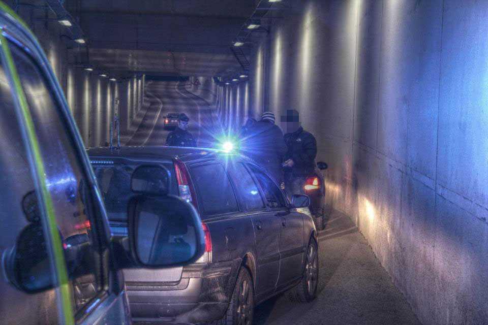 Polisen vid ett ingripande på Södermalm 2011.